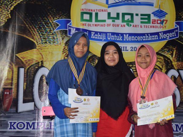 Juara Bahasa inggris di olyq