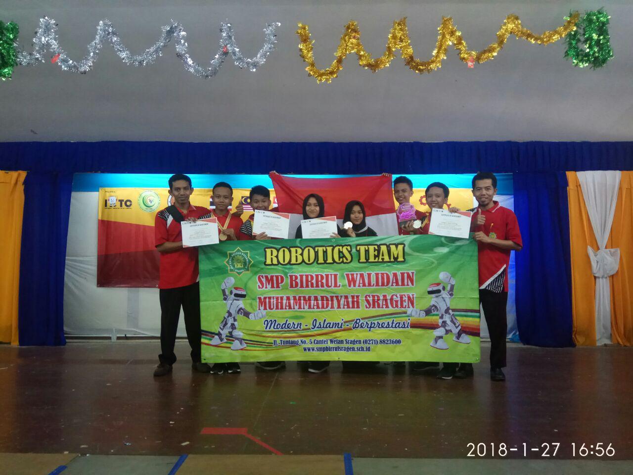Juara Robotika Tingkat Internasional di Thailand