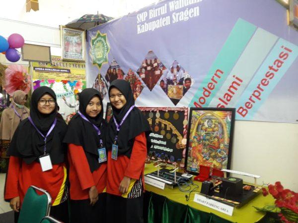 SMP Birrul Walidain ikut serta dalam acara Pameran Produk Inovasi Pendidikan 2019