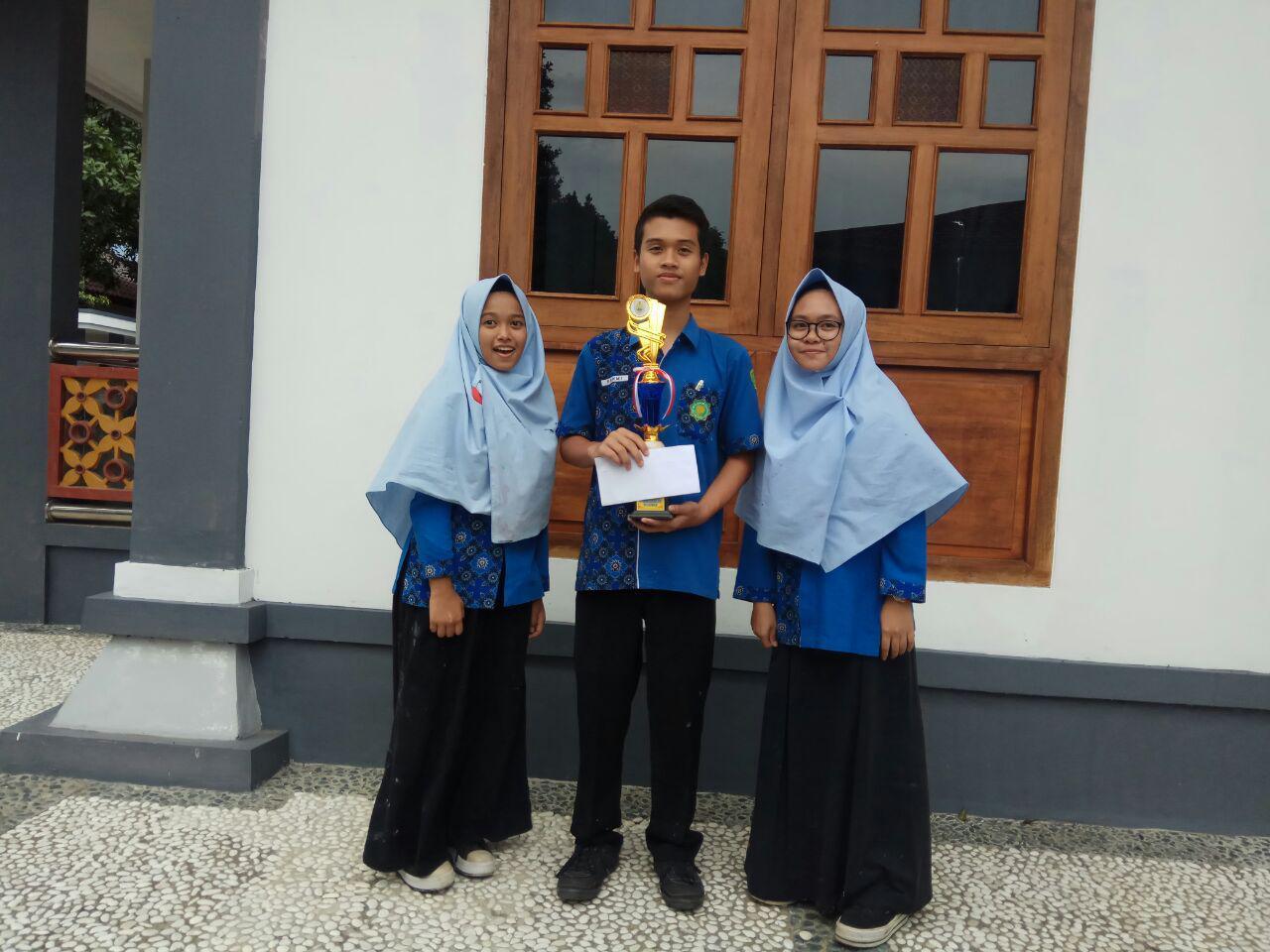 Juara Melukis Tingkat  Kabupaten